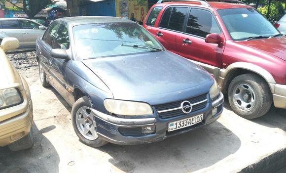 Voiture à vendre Opel Omega Gris - Kinshasa - Lemba