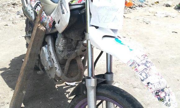 Moto à vendre Yamaha FJ 1200 Blanc - Kinshasa - Kalamu