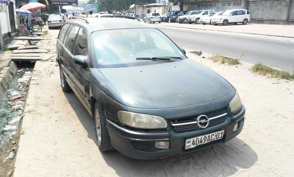Voiture à vendre Opel Omega Vert - Kinshasa - Kalamu