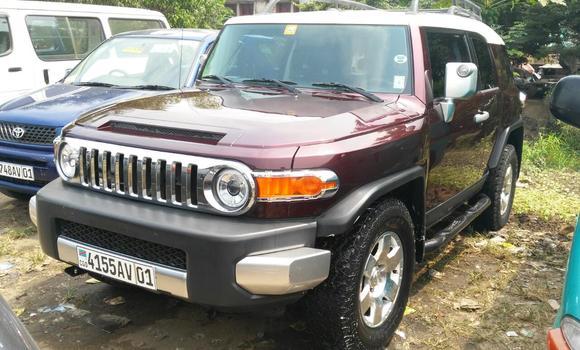 Voiture à vendre Toyota FJ Cruiser Rouge - Kinshasa - Kalamu