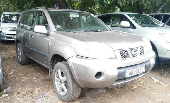 Voiture à vendre Nissan X-Trail Gris - Kinshasa - Kalamu