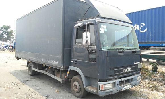 Utilitaire à vendre Iveco Cargo Bleu - Kinshasa - Limete