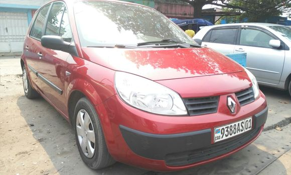 Voiture à vendre Renault Scenic Rouge - Kinshasa - Bandalungwa
