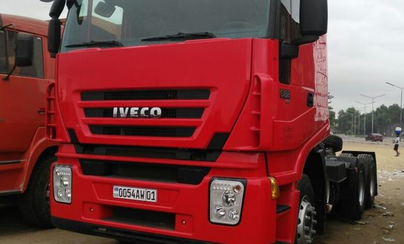 Utilitaire à vendre Iveco Cargo Rouge - Kinshasa - Kalamu
