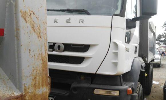 Utilitaire à vendre Iveco CURSOR Blanc - Kinshasa - Kalamu