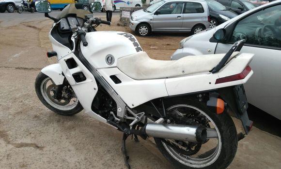 Moto à vendre Honda RR1000 Blanc - Kinshasa - Kalamu