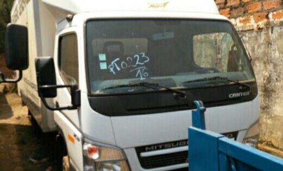 Voiture à vendre Mitsubishi Canter Fuso Blanc - Lubumbashi - Lubumbashi