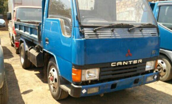 Voiture à vendre Mitsubishi Canter Fuso Bleu - Lubumbashi - Lubumbashi