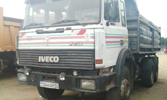 Utilitaire à vendre Iveco 260-34 Blanc - Kinshasa - Kalamu