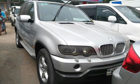 Voiture à vendre BMW X5 Gris - Kinshasa - Limete