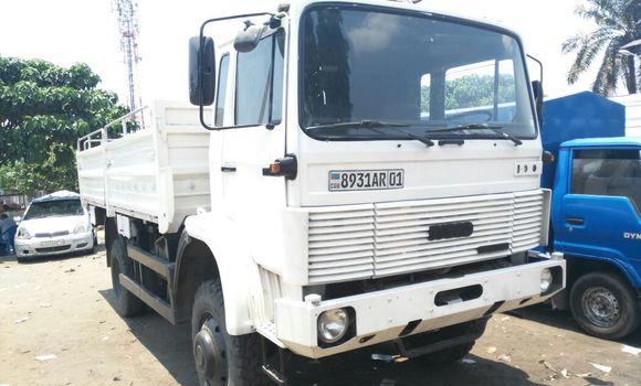 Utilitaire à vendre Iveco 110-17 Blanc - Kinshasa - Kalamu