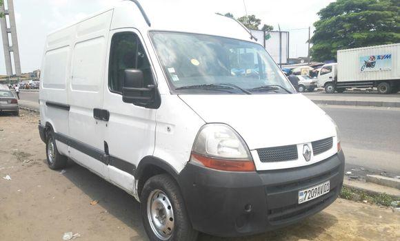 Voiture à vendre Renault Master Blanc - Kinshasa - Lemba