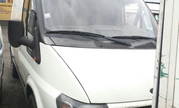 Voiture à vendre Ford Transit Blanc - Kinshasa - Kasa Vubu