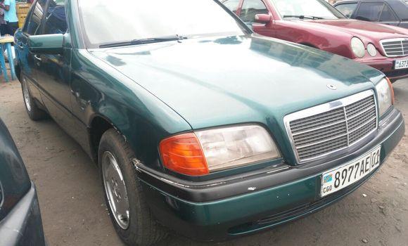 Voiture à vendre Mercedes Benz C-Class Vert - Kinshasa - Kasa Vubu