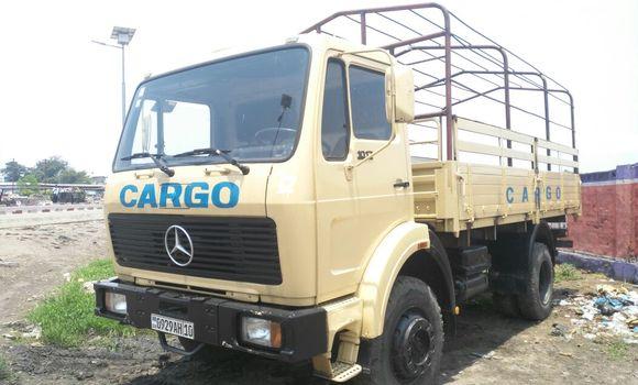Utilitaire à vendre Mercedes Benz 1017 Beige - Kinshasa - Kalamu
