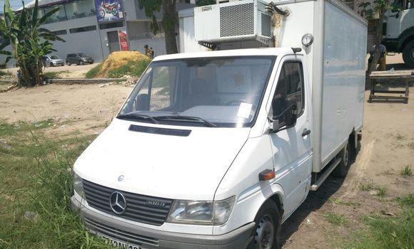 Voiture à vendre Mercedes Benz Sprinter Blanc - Kinshasa - Limete