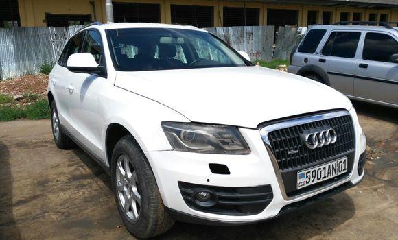 Voiture à vendre Audi Q5 Blanc - Kinshasa - Gombe