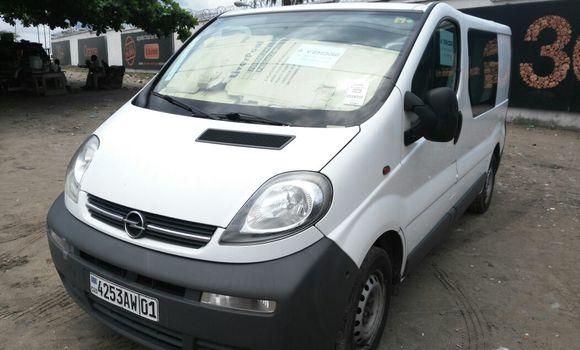 Voiture à vendre Opel Vivaro Blanc - Kinshasa - Gombe