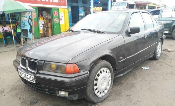 Voiture à vendre BMW 3-Series Noir - Kinshasa - Masina