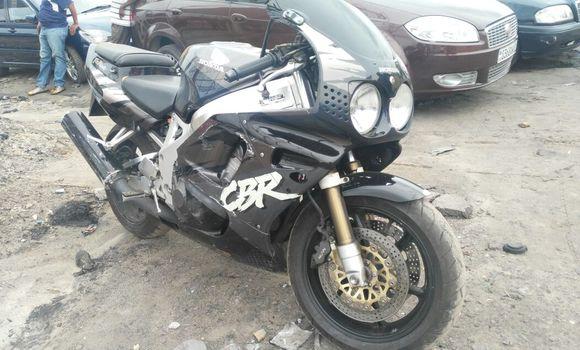 Moto à vendre Honda CBR Noir - Kinshasa - Kasa Vubu