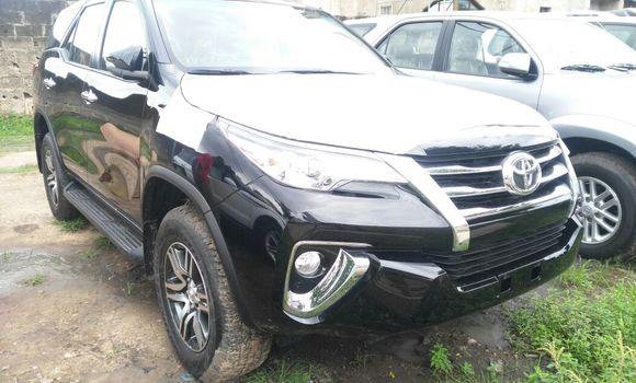 Voiture à vendre Toyota Fortuner Noir - Kinshasa - Gombe
