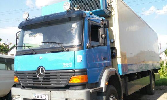 Utilitaire à vendre Mercedes Benz Truck Bleu - Kinshasa - Limete