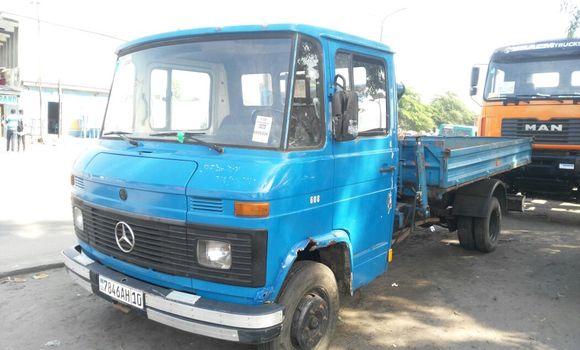 Utilitaire à vendre Mercedes Benz 608 Bleu - Kinshasa - Kalamu