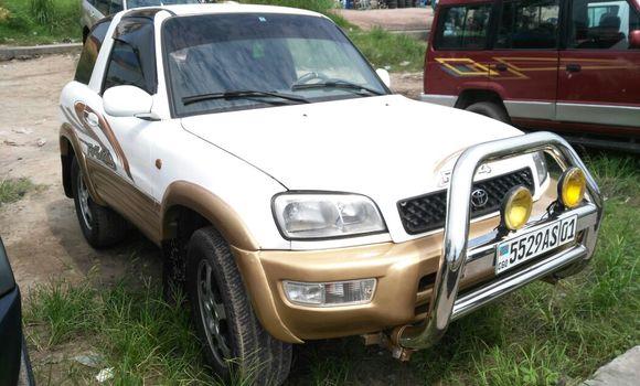 Voiture à vendre Toyota RAV4 Blanc - Kinshasa - Limete
