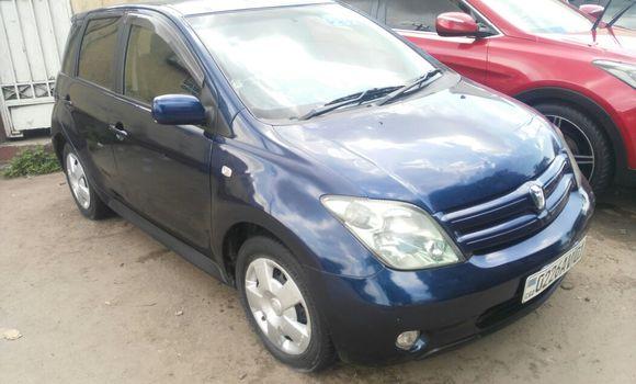 Voiture à vendre Toyota IST Bleu - Kinshasa - Bandalungwa