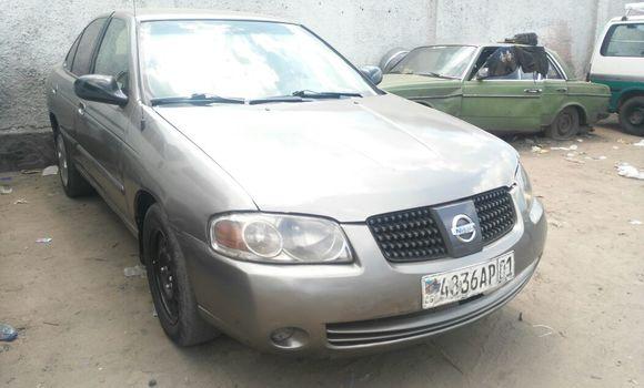 Voiture à vendre Nissan Sentra Gris - Kinshasa - Bandalungwa