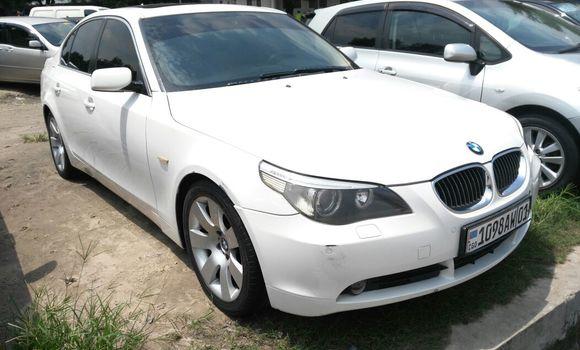 Voiture à vendre BMW 530i Blanc - Kinshasa - Limete