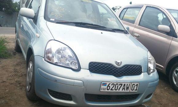 Voiture à vendre Toyota Vitz Bleu - Kinshasa - Kalamu
