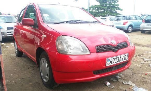 Voiture à vendre Toyota Vitz Rouge - Kinshasa - Kalamu