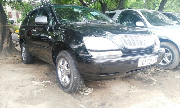 Voiture à vendre Toyota Harrier Noir - Kinshasa - Kalamu