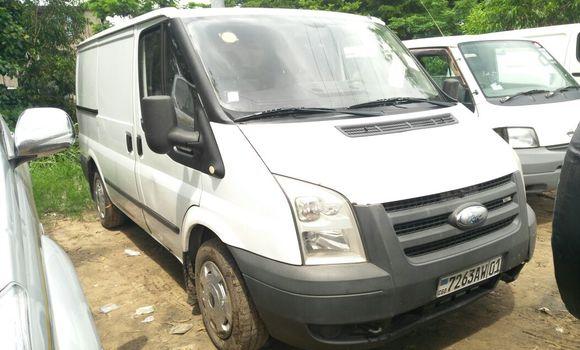 Voiture à vendre Ford Transit Blanc - Kinshasa - Kalamu