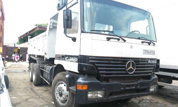 Utilitaire à vendre Mercedes Benz Actros 3335 Blanc - Kinshasa - Kasa Vubu