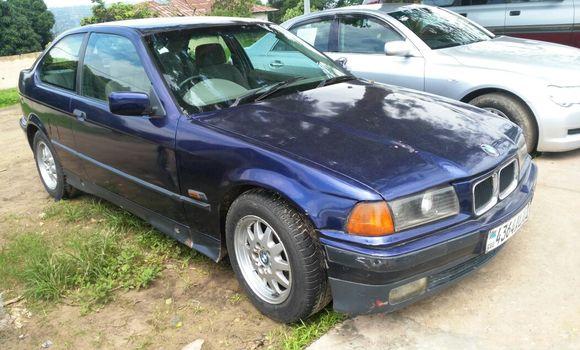 Voiture à vendre BMW 320i Bleu - Kinshasa - Ngaliema