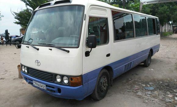 Utilitaire à vendre Toyota Coaster Blanc - Kinshasa - Limete
