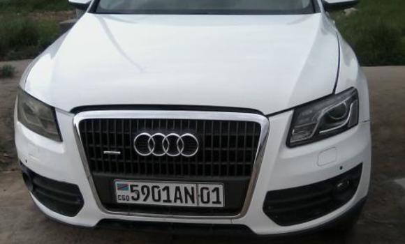 Voiture à vendre Audi Q5 Blanc - Kinshasa - Bandalungwa
