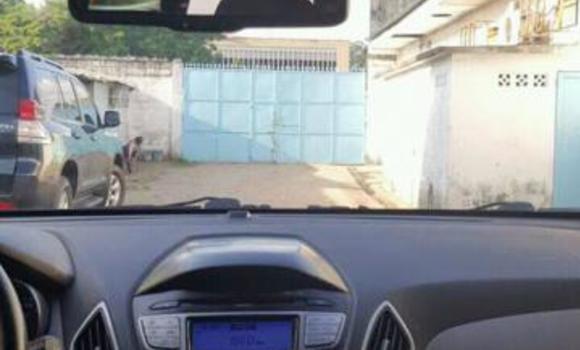 Voiture à vendre Hyundai ix35 Blanc - Kinshasa - Bandalungwa