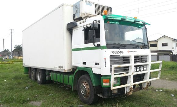 Utilitaire à vendre Volvo FH12 Blanc - Kinshasa - Limete