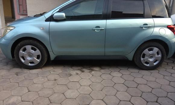 Voiture à vendre Toyota IST Bleu - Kinshasa - Ngaliema
