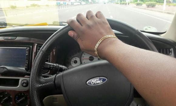 Voiture à vendre Ford Escape Noir - Kinshasa - Bandalungwa