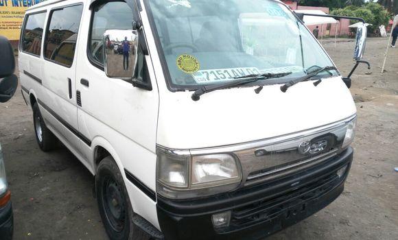 Voiture à vendre Toyota Hiace Blanc - Kinshasa - Kasa Vubu