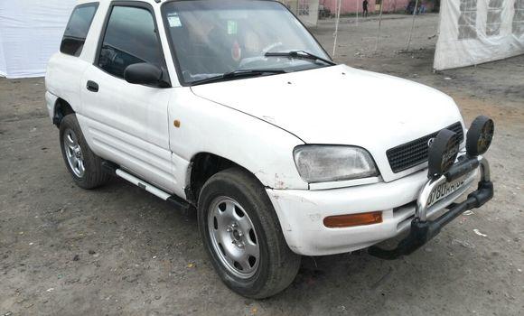 Voiture à vendre Toyota RAV4 Blanc - Kinshasa - Kasa Vubu