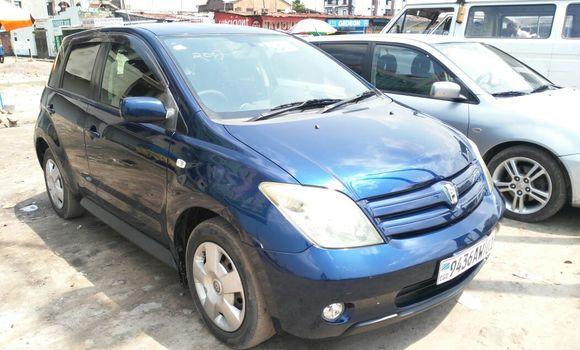 Voiture à vendre Toyota IST Bleu - Kinshasa - Kinshasa