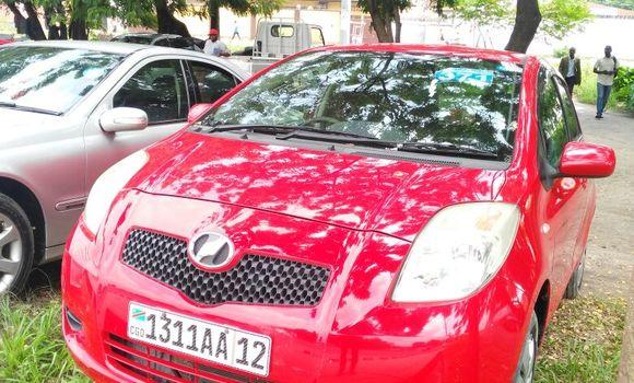 Voiture à vendre Toyota Vitz Rouge - Kinshasa - Limete