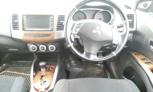 Voiture à vendre Mitsubishi Outlander Noir - Kinshasa - Limete