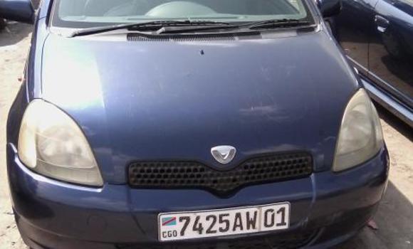 Voiture à vendre Toyota Vitz Bleu - Kinshasa - Bandalungwa