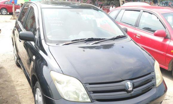 Voiture à vendre Toyota IST Noir - Kinshasa - Lemba